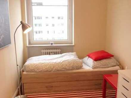 AB 01.06.21 - WG-Zimmer - in FÜRSTENRIED WEST * saniert und renoviert *