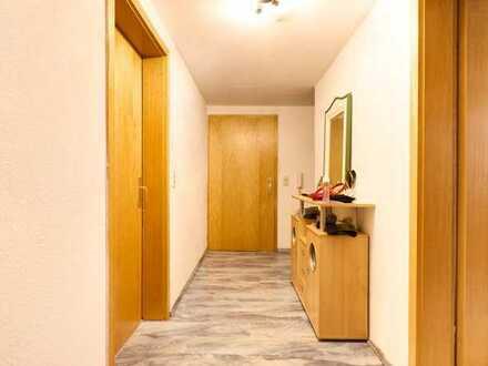 Zentrale Lage, 3,5 Zimmer DG-Wohnung in Fellbach-Schmiden mit weiteren ca. 48qm Ausbaupotential!