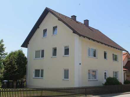 schönes 2 Familienhaus mit Balkon zur Eigennutzung oder Kapitalanlage