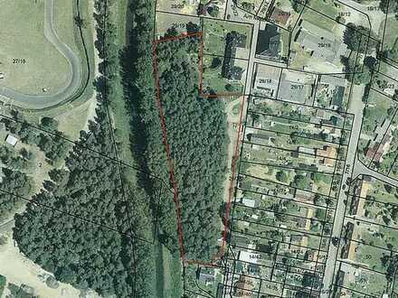 Wald- und Verkehrsfläche
