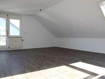 Sanierte 3,5-Zimmer-DG-Wohnung mit Balkon in Oberstenfeld
