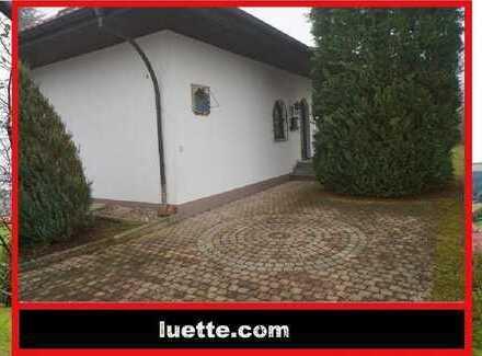separat zugängliches Dachgeschoss-Appartement, ca. 40 m² Wohnfl., EBK, Bad mit Badewanne (115629)