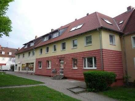 Hier können Sie sich wohlfühlen! Modernisierte Dachgeschosswohnung in Salzgitter-Thiede