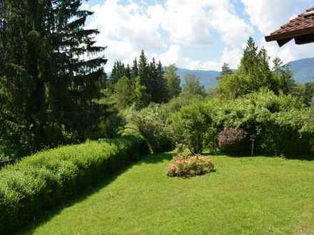 "Baugrundstück für EFH/DH mit charmantem Altbestand (""Tiny-House"") in Murnau-Westried"