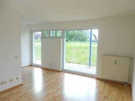 ERSTBEZUG nach Sanierung !!! Sonnige Singlewohnung mit Einbauküche und mit Terrasse in Colditz !!!