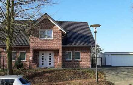 Neuwertiges Einfamilienhaus in Grevenbroich-Kapellen - provisionsfrei