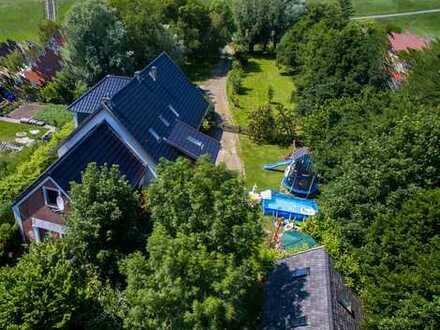 Einfamilienhaus mit Einliegerwohnungen auf Traumgrundstück direkt am Nordsee Deich