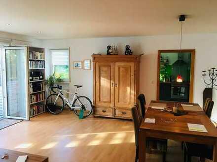 2,5 Zimmer, Küche, Bad, Abstellraum