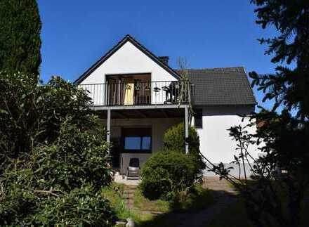 Schönes Zweifamilienhaus mit großem Grundstück in guter Lage von Bielefeld