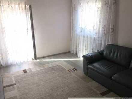 Schöne 3 Zimmer-Wohnung mitten in der Stadt mit Balkon und kleinem Garten!