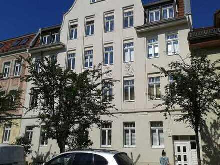 3-Zimmer-Wohnung mit Trapez - Badewanne und neuer EBK in Leipzig