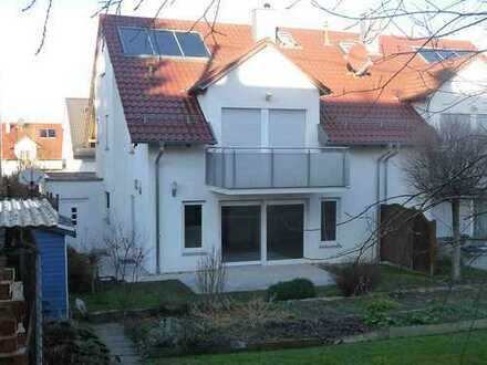 Gepflegte 6-Zimmer-Doppelhaushälfte mit EBK in Gärtringen, Gärtringen