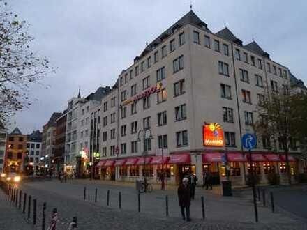 WG geeignet! Toplage Heumarkt mit Blick auf den Dom und Rhein! 5 Zi. Whg. 180 m², Loggia!