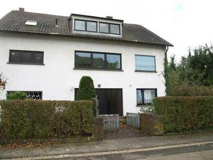 Eigentumswohnung in ruhiger Wohnlage: Dachgeschoß, hell