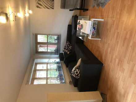WG Zimmer mit eigener Küche, möbliert mit Terasse fast wie eine Wohnung