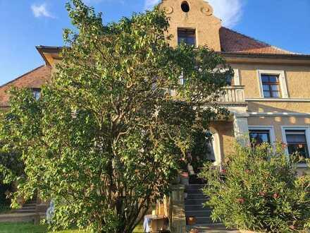 3-Zimmer-Eigentumswohnung in herrschaftlichem Gebäude von 97447 Gerolzhofen, 18 km von Schwein