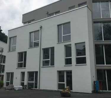 3 Zimmer-Büro mit 125 qm in Aachens Südviertel, auf Wunsch erweiterbar bis zu 600m² und auf 2 Etagen