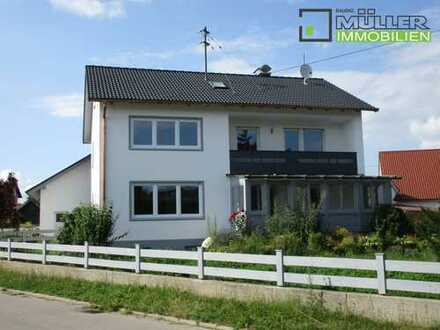 Moderne, großzügige Wohnung im OG nach Kernsanierung zu vermieten!!