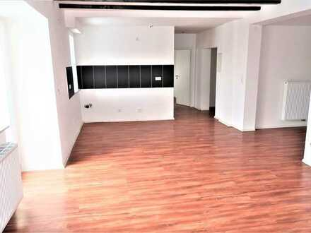 3,5 Zi.-Whg., modernisiert, Balkon, Garage, Stellplatz,, zentrale Lage von Schopfloch-Lenningen.