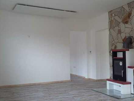 Stilvolle, sanierte 3-Zimmer-Wohnung mit EBK in Waghäusel