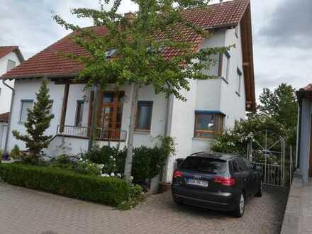Freistehendes Einfamilienhaus in Freinsheim mit Blick auf die Weinberge
