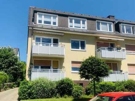 2-Zimmer-DG-Wohnung mit Einbauküche in Essen-Schönebeck