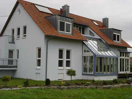 +++Tolle 1-Zi. Dachgeschosswohnung mit Galerie und Stellplatz!+++