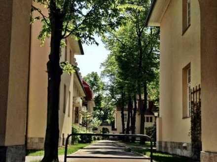 Charmante gepflegte 2-Zimmer-Dachgeschosswohnung im Ludwigpark