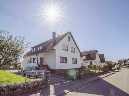 Zuhause in Emmendingen– Kollmarsreute; Haus mit Platz für zwei Familien auf großen 188 m² Wohnen