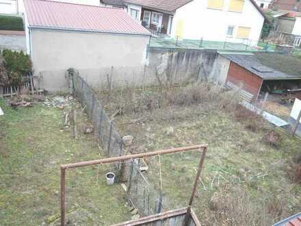 Sonniges Grundstücksareal in ruhiger Wohnlage