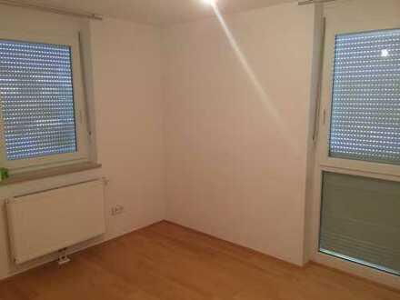 Wg-Zimmer in Ruhig gelegener 100m2 Möbilierter Wohnung mit großem Balkon