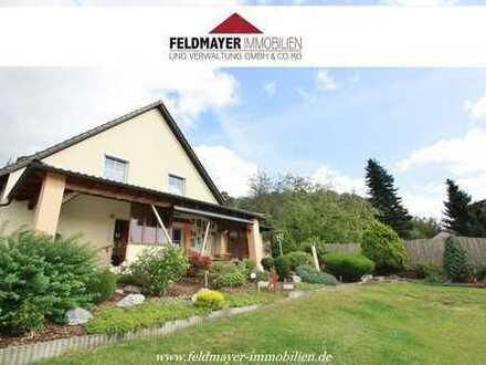 Schönes Landhaus mit Weitblick - Nutzung als Zweifamilienhaus möglich!