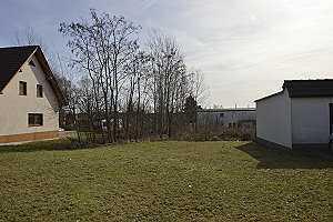Mit einem Einfamilienhaus bebaubares Grundstück.