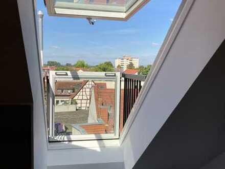 2 Zimmer / 58 m² DG-Wohnung mit Dachaustritt und Einbauküche in Groß-Gerau