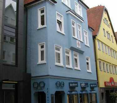Vollständig renovierte 3-Zimmer-Hochparterre-Wohnung mit Einbauküche in Reutlingen