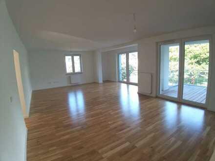 Traumwohnung in Traumlage! Top schicke 4-ZW-NB -Hochparterre mit 10 m² Ost- BLK- HU-Lehrhöfer Park!