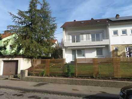 Doppelhaushälfte, 5 Zimmer, Garage, großer Garten in Nürtingen/Braike