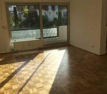 Schöne 3 ZKB-Wohnung mit großem Sonnenbalkon in Bodenheim