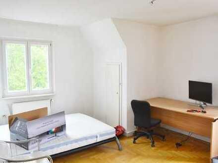 ++ schöne 3 Zimmer Dahgeschoss Whg in Uhlbach + Bühne, auch als Kapitalanlage ++
