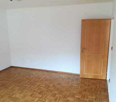 Ansprechende 3-Zimmer-EG-Wohnung mit EBK in Frankfurt Harheim