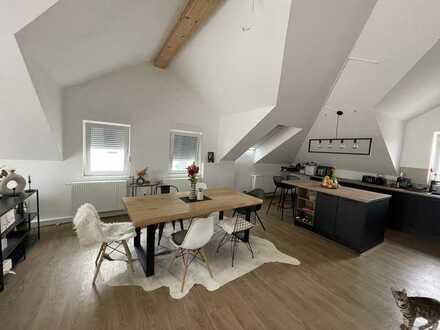 Gehobene Dachgeschosswohnung mit Dachterasse
