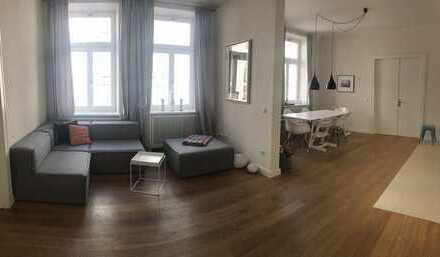 2.600 €, 123 m², 4 Zimmer