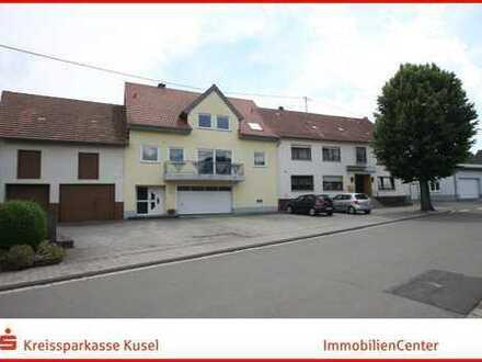 Multifunktionale Immobilie: Wohn- und Geschäftskomplex