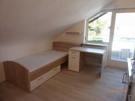 Möblierte 1-Zimmer-DG-Wohnung mit Pantryküche und Balkon in Karlsruhe