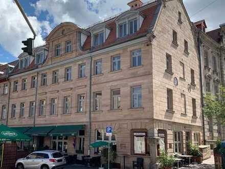 Erstbezug nach Sanierung im Energieeffizienzhaus: 4-Zimmer-Wohnung mit großem Balkon in Fürth