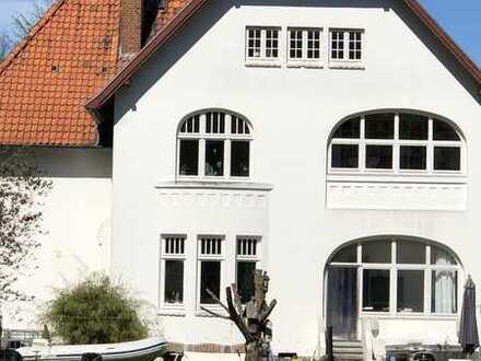 EFH - MFH, Villa (Denkmal) in Neustadt, ruhig nahe Zentrum zu verkaufen