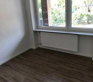 Schöne, modernisierte 3-Zimmer-Hochparterre-Wohnung zur Miete in Ludwigshafen am Rhein (Mundenheim)