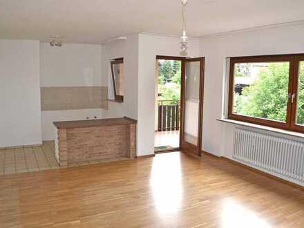 *TOP KAPITALANLAGE* Nette 2-Zi.-Wohnung mit Balkon in ruhiger Wohnlage von Unterreichenbach