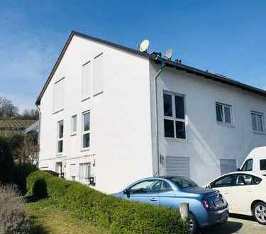 *Großzügige Doppelhaushälfte mit Einliegerwohnung in Laubenheimer Bestlage an den Weinbergen*