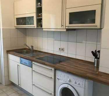 Schöne 2,5-Zimmer-Wohnung mit Balkon und Einbauküche in Mannheim